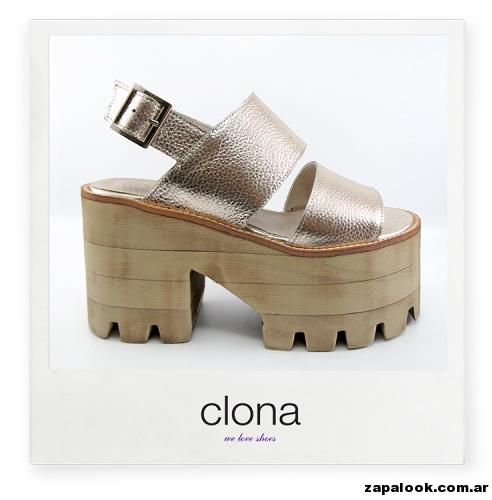 sandalia dorada Calzado Clona primavera verano 2015