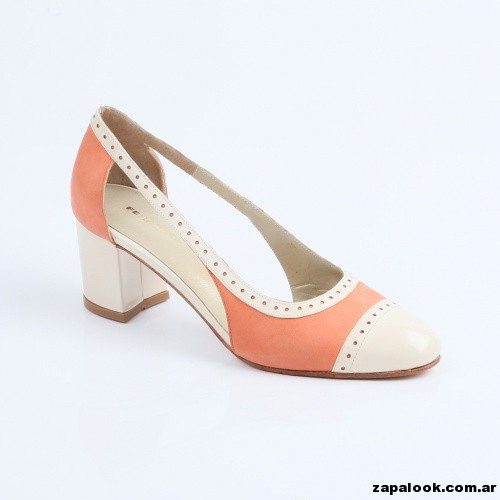 zapato en punta redonda lateral abierto Ferraro primavera verano 2015