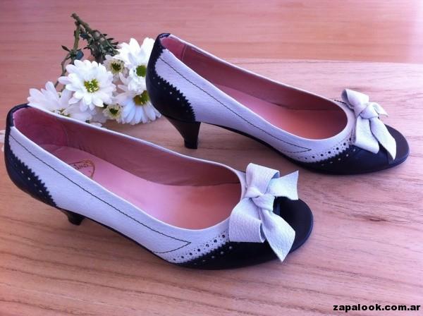 zapatos negros y blancos Alfonsina Fal primavera verano 2015