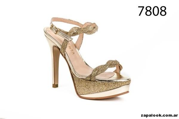 Sandalias para fiestas doradas tiras trenzadas Alfonsa Bs As verano 2015