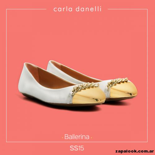 balerinas color crudo con punteras doradas y cadena  - Carla danelli verano 2015