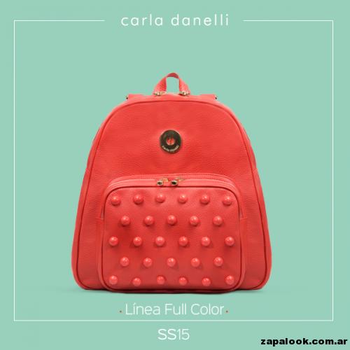 mochila roja - Carla danelli verano 2015