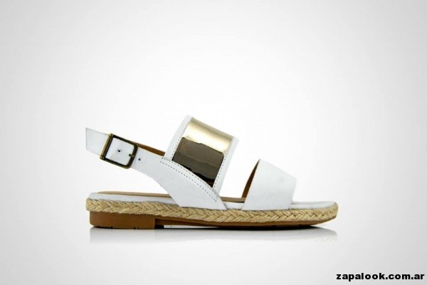 sandalia chatita blanca La leopolda primavera verano 2015