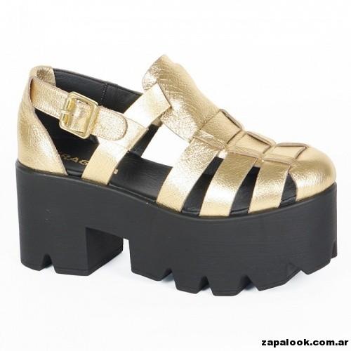 sandalia doradas con plataforma negra Fragola verano 2015