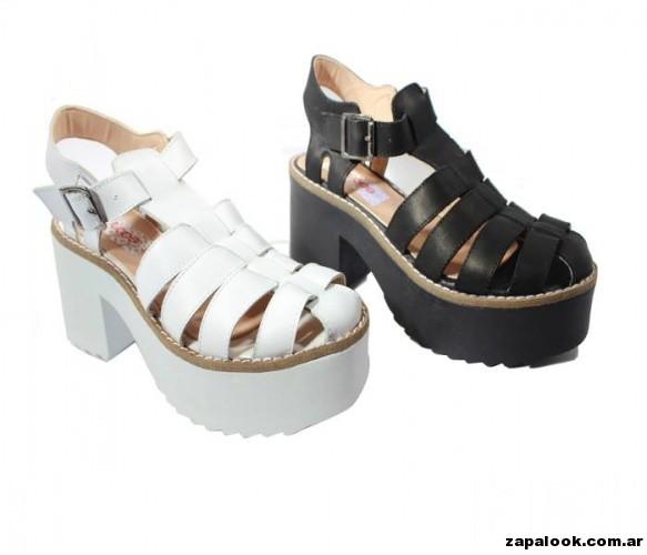 sandalia franciscanas  negras y blancas  suela de goma Tops primavera verano 2015