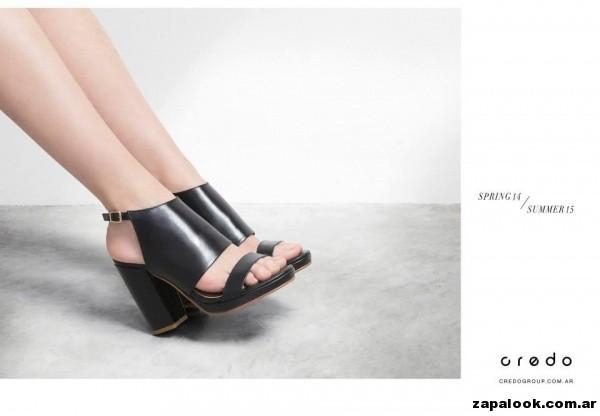 sandalias altas negras Credo primavera verano 2015