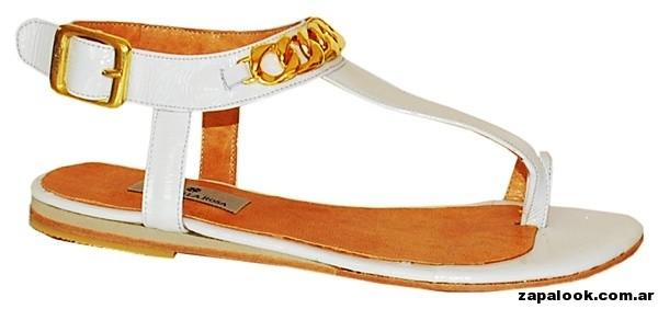 sandalias blancas estilo ojotas Cruz de la Rosa primavera verano 2015