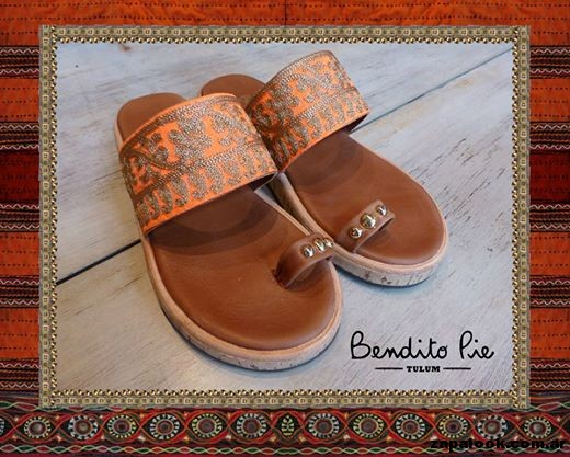sandalias chatitas bordadas  by Bendito Pie Verano 2015