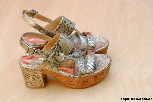 sandalias doradas Tosone primavera verano 2015