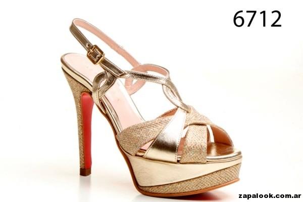 sandalias doradas con plataforma Alfonsa Bs As verano 2015