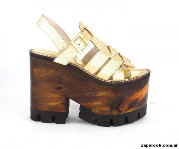 sandalias doradas plataformas de madera Orange shoes primavera verano 2015