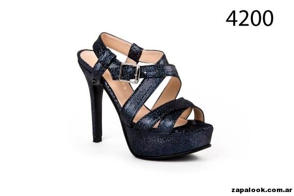 sandalias negras metalizadas Alfonsa Bs As verano 2015