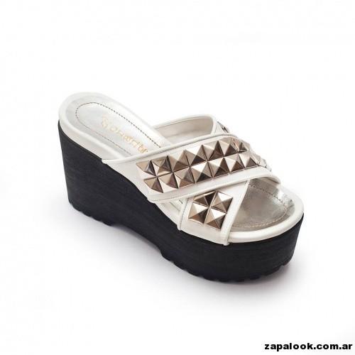 sandalias negras y blancas  plataformas de goms Orange shoes primavera verano 2015