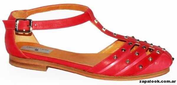 sandalias rojas con tachas Cruz de la Rosa primavera verano 2015