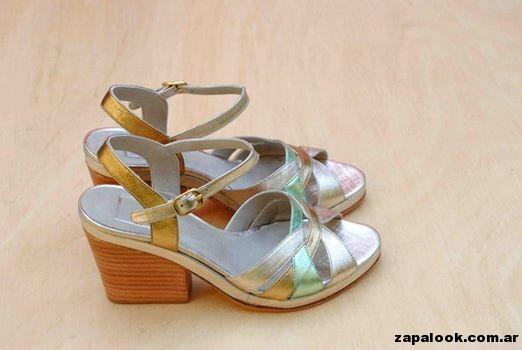 sandalias taco medio metalizadas Tosone primavera verano 2015