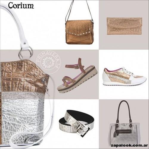 carteras y zapatos metalizados de Corium primavera verano 2015