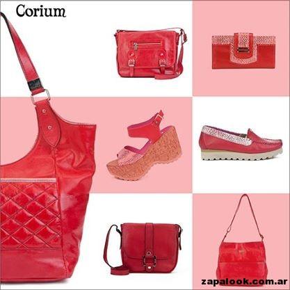 carteras y zapatos rojos de Corium primavera verano 2015