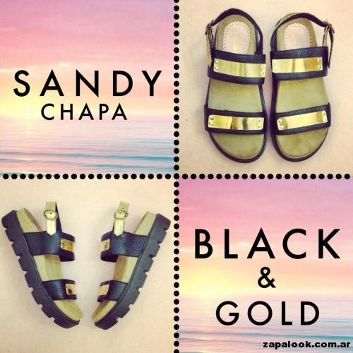 sandalia detalle de chapa -Las Motas verano 2015