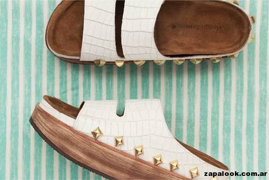 sandalias chatitas blancas con tachas Maggio Rossetto verano 2015