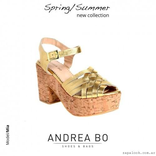 Sandalias doradas con plataforma - Andrea Bo verano 2015