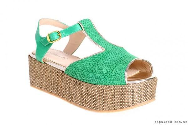 sandalia con base verde Andrea Bo verano 2015