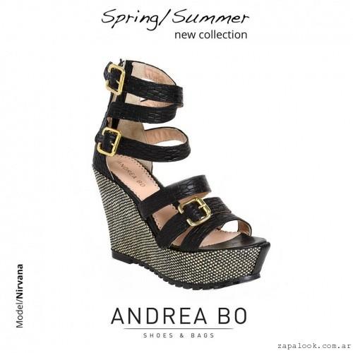 sandalias negras con plataformas - Andrea Bo verano 2015