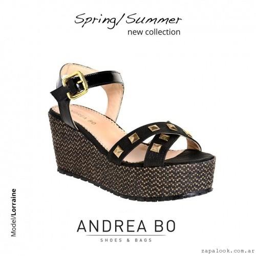sandalias negras cont achas y plataformas - Andrea Bo verano 2015