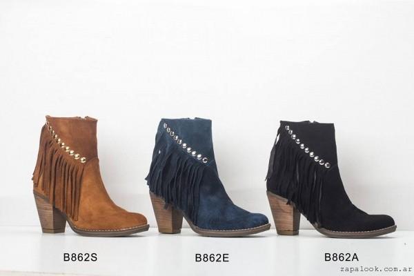 botas con tachas y flecos  invierno 2015 by Micheluzzi
