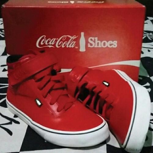 botitas rojas  Coca cola Shoes invierno 2015