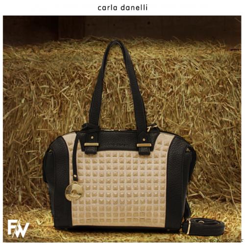 cartera con tachas negra y dorada  - Carla Danelle invierno 2015