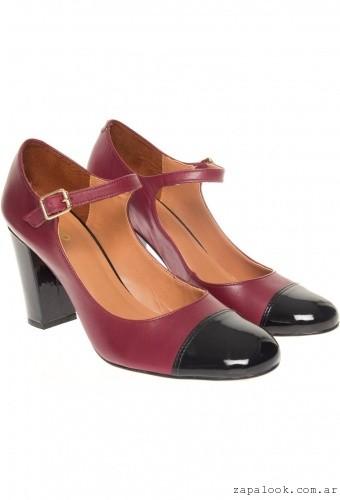 zapatos altos punta redonda bordo y negro Via Uno invierno 2015