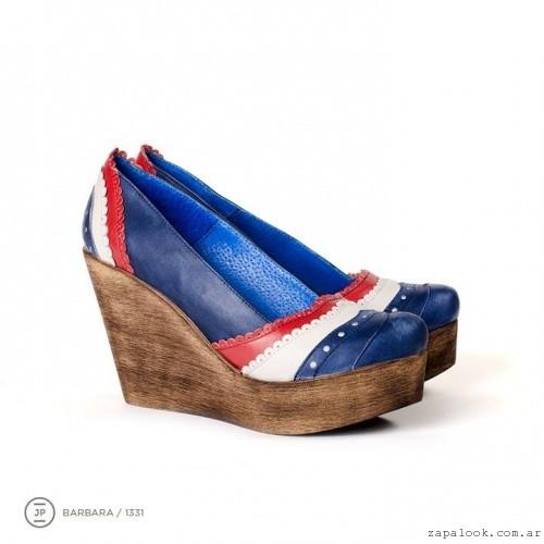 zapatos azules base de madera tacochino  invierno 2015 - Juana Pascale