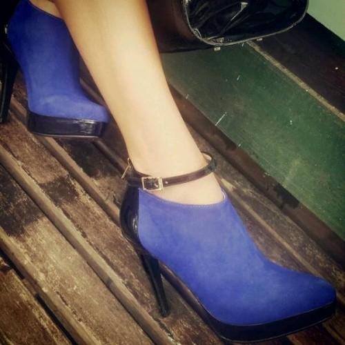 zapatos gamuza azul The Bag Belt invierno 2015