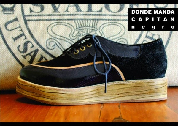 zapatos acordonados de gamuza  - Clara Barcelo invierno 2015