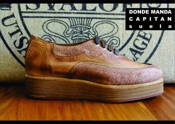 zapatos acordonados marrones - Clara Barcelo invierno 2015