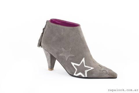 botineta gris con estrellas  Lorena g zapatos invierno 2015