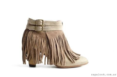 botinetas con flecos  Lorena g zapatos invierno 2015