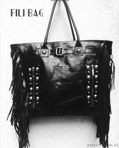 cartera negra con flecos Vestidor de reinas verano 2016