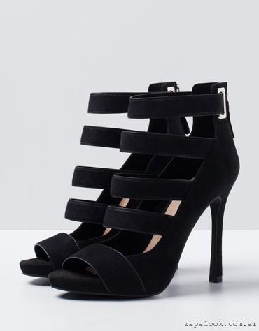 089080a4a06fa sandalias atas multiples tiras negra bershka – tendencias calzado verano  2016