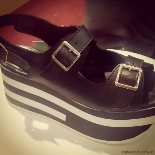 sandalias negras con plataformas de goma RH by Laly Ramirez verano 2016