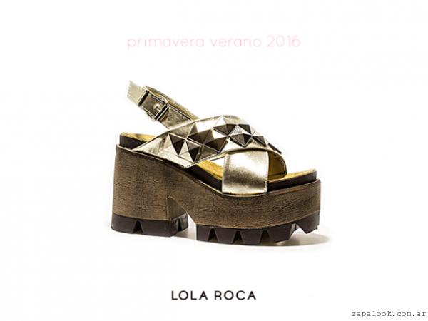 b9a96363 sandalias doradas base de madera – Lola Roca verano 2016 – Zapalook