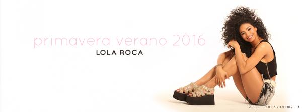 sandalias doradas plataformas goma negra  - Lola Roca verano 2016