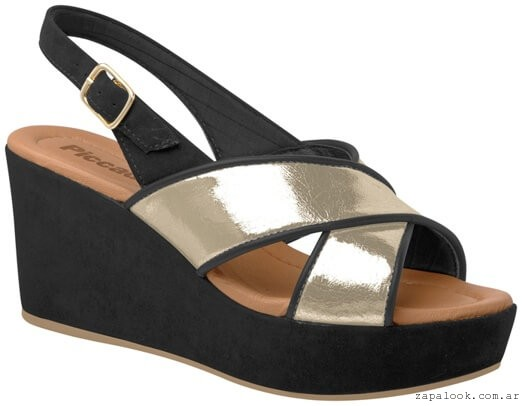 Piccadilly primavera verano 2016 - sandalia negra y metalizada taco chino