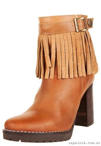 botas con flecos botineta gamuzadas Viamo invierno 2016