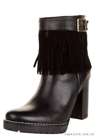 botas negras con flecos  Viamo invierno 2016