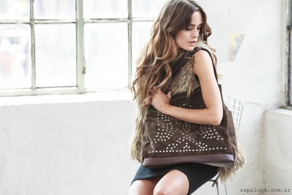 cartera de gamuza marron con tachas -  the bag belt invierno 2016