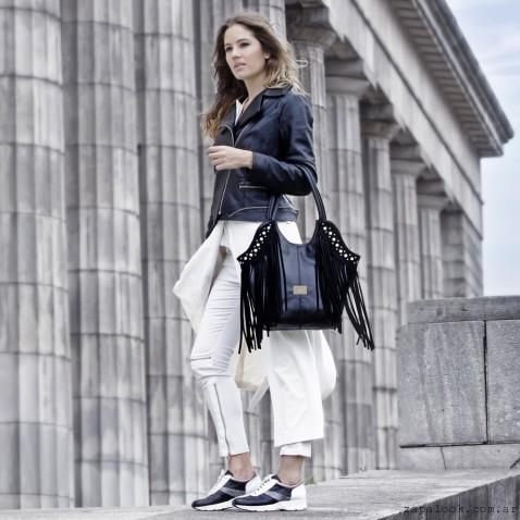 cartera con flecos y zapatillas  - Corium otoño invierno 2016