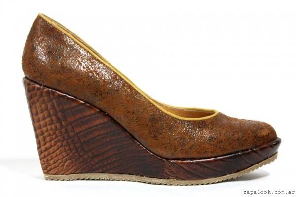 zapato marron taco chino invierno 2016 - Carina de la cruz