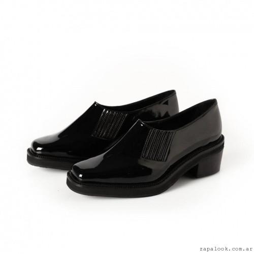 zapatos negros de charol  invierno 2016 -Chwala