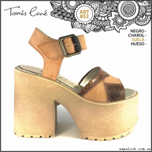 sandalias con paltaformas simil madera verano 2017 - Tomas Cane